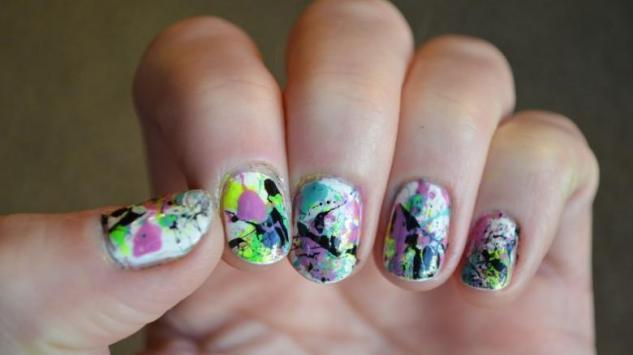 Isprskani nokti: Isprobajte manikir sa slamkom (video)