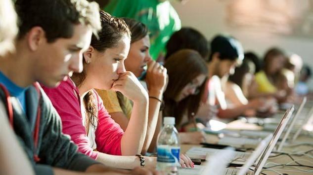 Ko je odgovoran za vrijednosti mladih ljudi današnjice?