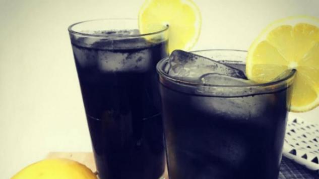 Ovog ljeta se osvježite i detoksirajte crnom limunadom