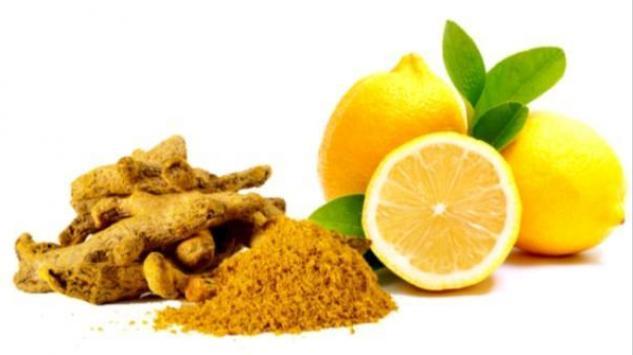 Još jedan napitak za detoksikaciju: Kurkuma i limun