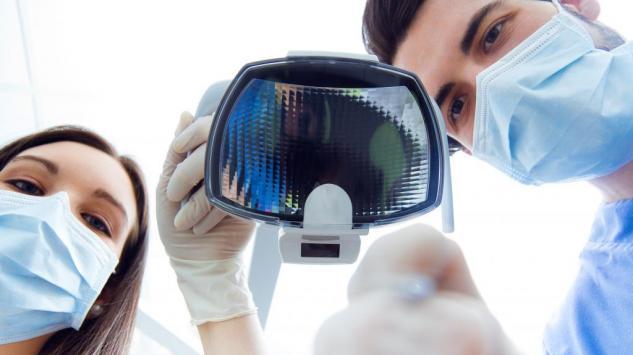 Šta je antiejdžing stomatologija i kako do nje?
