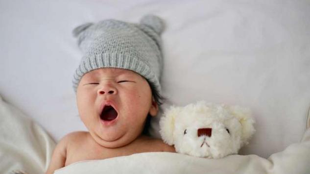 Grčevi kod beba - zašto nastaju i kako ih tretirati