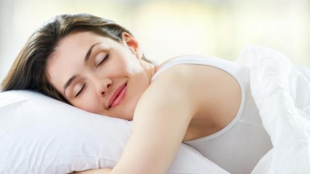 Savjeti za efikasan bjuti san - Kako da se ujutru probudite sa osvježenom kožom i bez podočnjaka