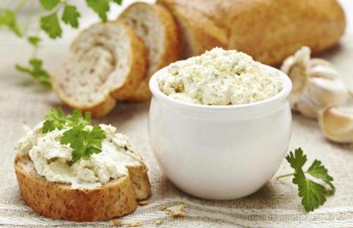 Grčki namaz od sira- Tiro salata