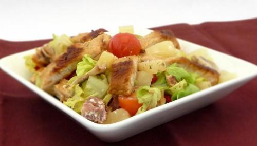 Ćureća salata sa ananasom