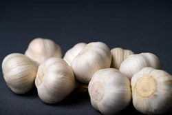 Bijeli luk sprječava truljenje voća
