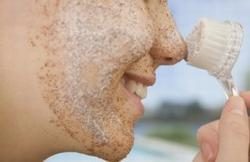 Napravite sami: piling za lice od zelenog čaja