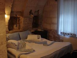 Najskuplje ,neobične ,čudne hotelske sobe i hoteli  Hotel-pecina3-m