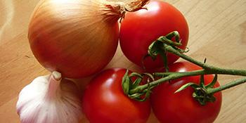 Pravila čuvanja hrane: Paradajz, hljeb i luk se kvare u frižideru