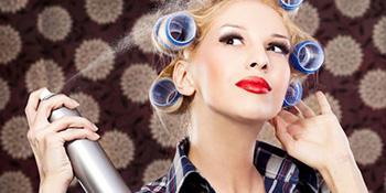 Nekoliko dopunskih primjena laka za kosu u domaćinstvu