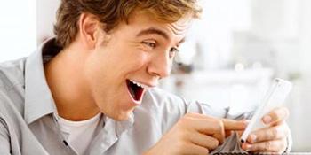 Muškarci više vole da njuškaju po telefonu od žena?