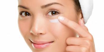 Isprobajte čudesnu masku za njegu kože oko očiju