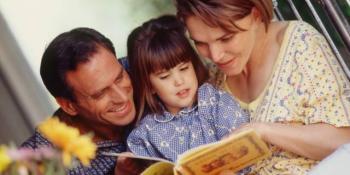 Evo zašto djeci treba čitati bajke
