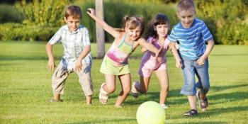 """Da li roditelji """"ubijaju"""" dječju igru i ometaju ih da nauče da rješavaju konflikte?"""
