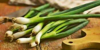 9 namirnica koje će vam pomoći da se riješite zadaha od luka