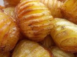 Krompir pečen sa korom brže će omekšati...