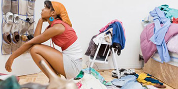 Zašto žene imaju pun ormar, a ništa za obući?
