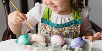 Bojite jaja zajedno sa djecom