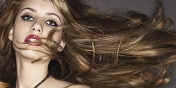 Kako da sačuvate zdravu kosu preko ljeta
