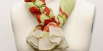 Ideja kako da osvježite svoj izgled: vežite maramu u fensi pletenicu
