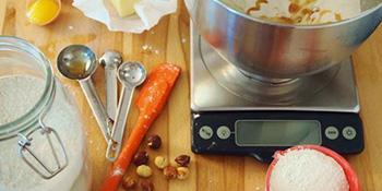 Kako da izmjerite sastojke bez korišćenja vage