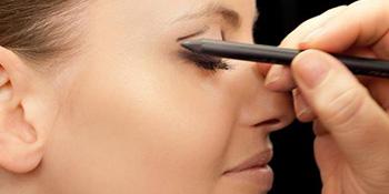 Najpopularniji trend u šminkanju ove sezone: mačije oči