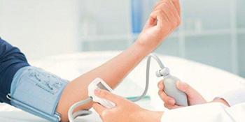 Nizak krvni pritisak i kako pomoći sebi