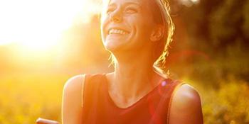 8 tajni nasmijanih i pozitivnih žena