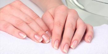 Evo zbog čega nastaju bijele fleke na noktima