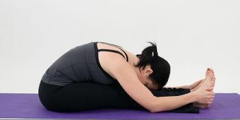 Pretklon - odlična vježba istezanja koja liječi glavobolju