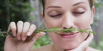 Udisanje mirisa ružmarina može poboljšati pamćenje i za 75%